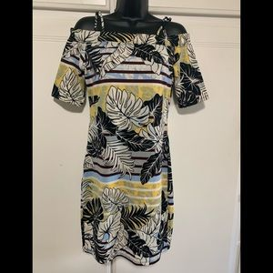 Body-con Tropical Off Shoulder Dress